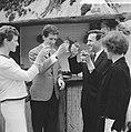 Rudi Carrell (links met echtgenote) en de heer H.A. Gomperts (rechts met echtgen, Bestanddeelnr 915-0731.jpg