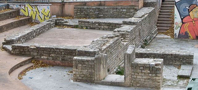 Apt: древнеримские руины