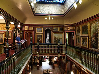 Russell-Cotes Art Gallery & Museum - Image: Russell Cotes Interior 1