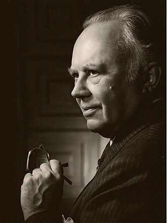 Conservatism in the United States - Russell Kirk, conservative theorist