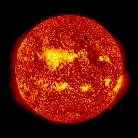 nasa satellite to the sun - HD 1200×1200