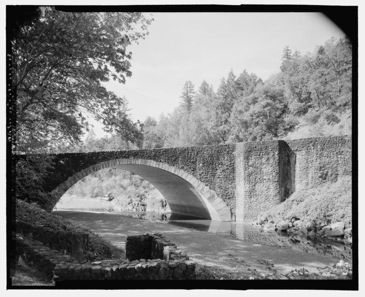 file stone arch bridge old highway 101 at benbow inn. Black Bedroom Furniture Sets. Home Design Ideas
