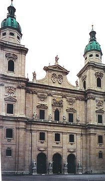 Salzburg Dom facade 2.JPG