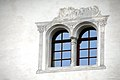 Sankt Urban Schloss Bach Zwillingsfenster 14102006 26.jpg