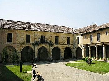 Exterior del Monasterio de San Andrés de Arroyo