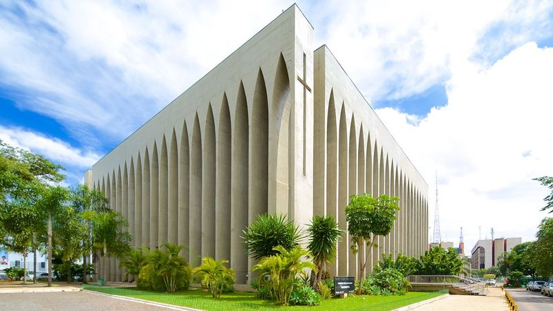Ficheiro:Santuário Dom Bosco Brasília.jpg