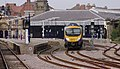 Scarborough railway station MMB 17 185117.jpg
