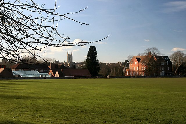 School and playing fields, Bury St Edmunds - geograph.org.uk - 320450