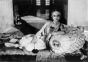 Seeta Devi (actress) - Seeta Devi as Gopa in secene from film, Prem Sanyas (The Light of Asia) 1925
