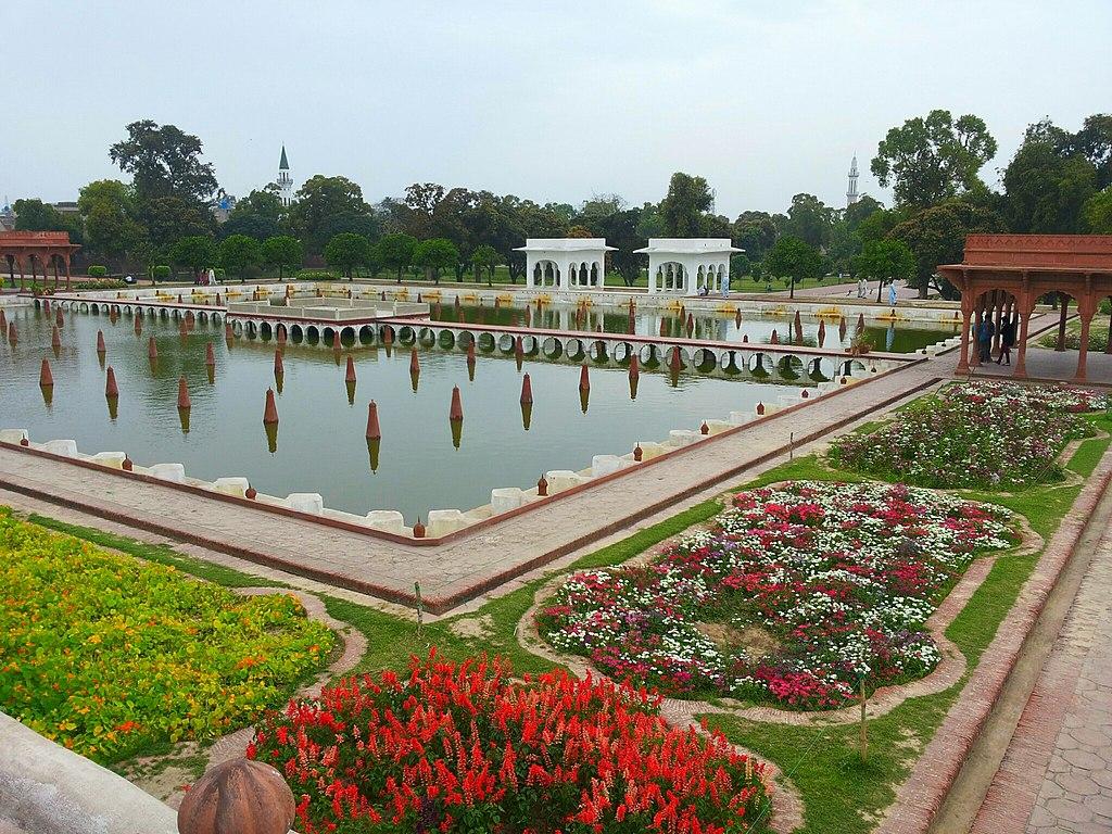 1024px-shalimar_gardens