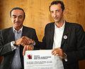 Signature de la Charte avec le président des Girondins de Bordeaux Jean Louis Triaud.jpg