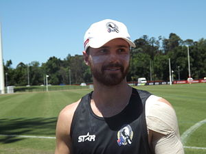 Ben Sinclair - Sinclair signs autographs with Collingwood in 2014