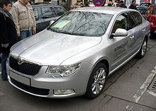 Skoda Superb II Ambition TSI Brilliantsilber.JPG