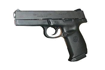 English: pistol Smith & Wesson Sigma SW9F Pols...