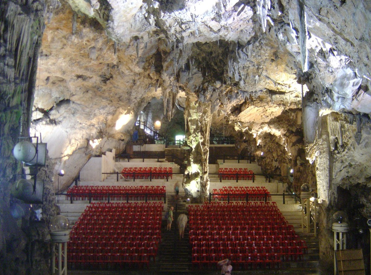 Man Cave Store North Bay : List of caves in gibraltar wikipedia