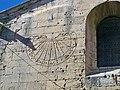 St Paul 3 chateaux - église cadran solaire.JPG
