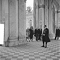 Staatsbezoek van koningin Juliana aan Frankrijg. Bezoek Versailles, Bestanddeelnr 903-9817.jpg