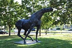 Statue Schreiender Hengst Berlin 4v5.jpg