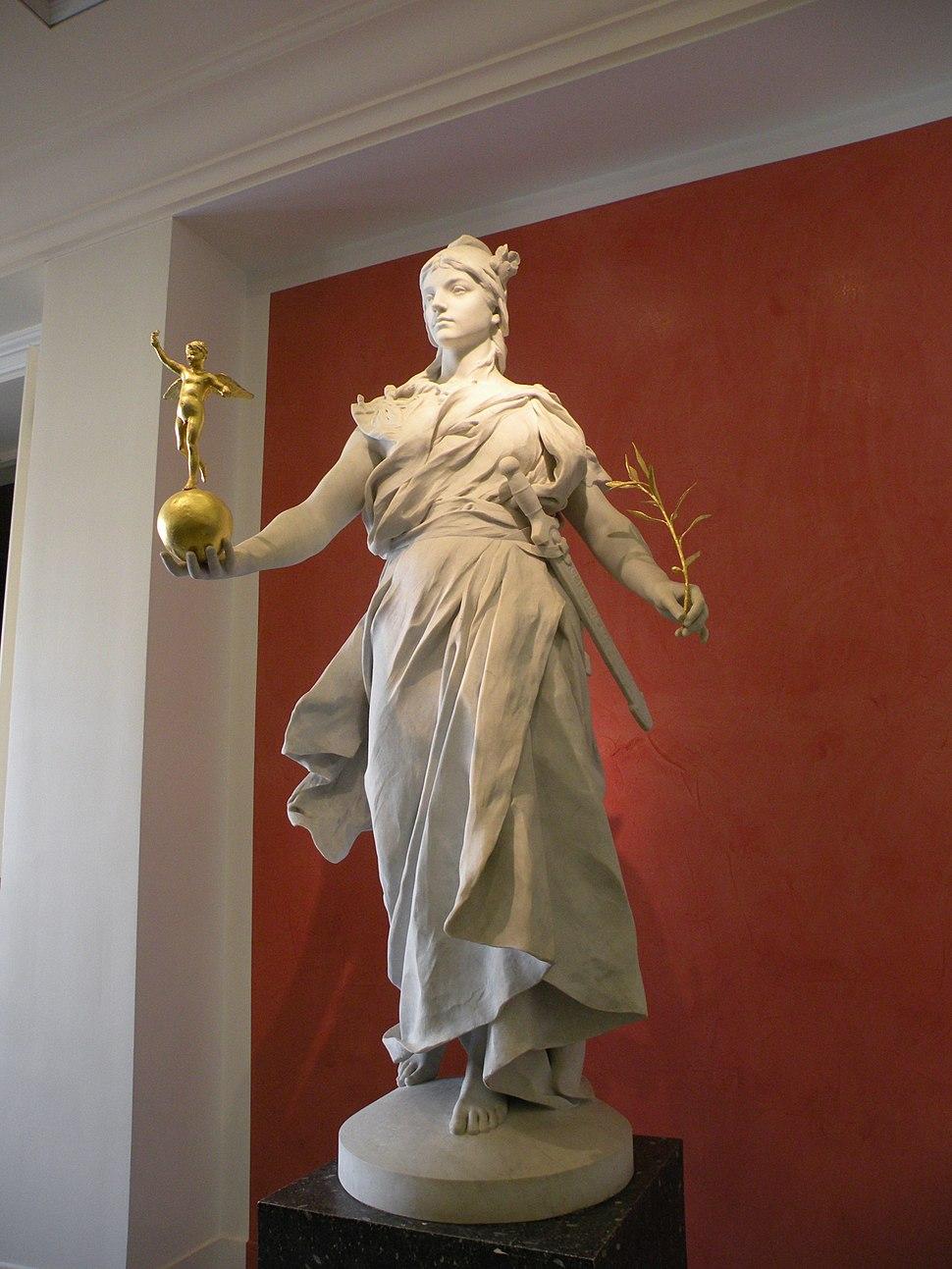 Statue bureau de poste Palais Bourbon