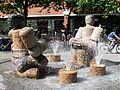 Steinernes Paar Brunnen von Klaus Schultze Rotkreuzplatz Muenchen-1.jpg