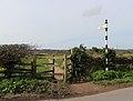 Storeton - Thingwall footpath - start.jpg