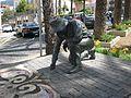 Teneriffa - Denkmal Sandmaler in La Orotava - panoramio.jpg