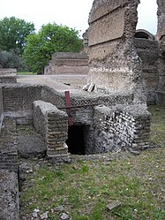 Thermae of Villa Adriana 24.jpg