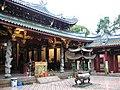 Thian Hock Keng Temple 14, Dec 05.JPG