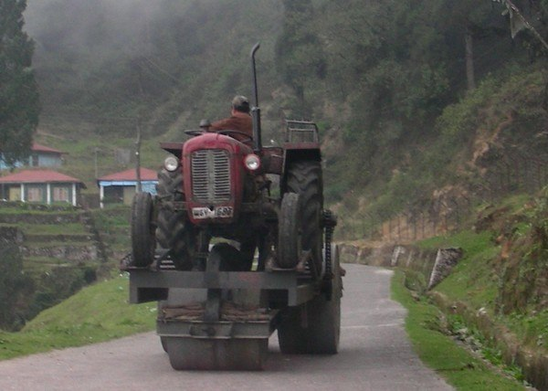 Tractor-powered Roadroller