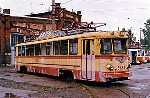 Museum of Electrical Transport (Saint Petersburg) - Image: Tram LM57 5733 2002 09 29
