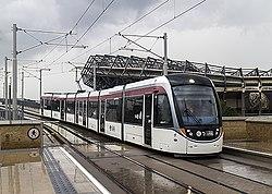 Tram approaching Murrayfield (geograph 4110107).jpg
