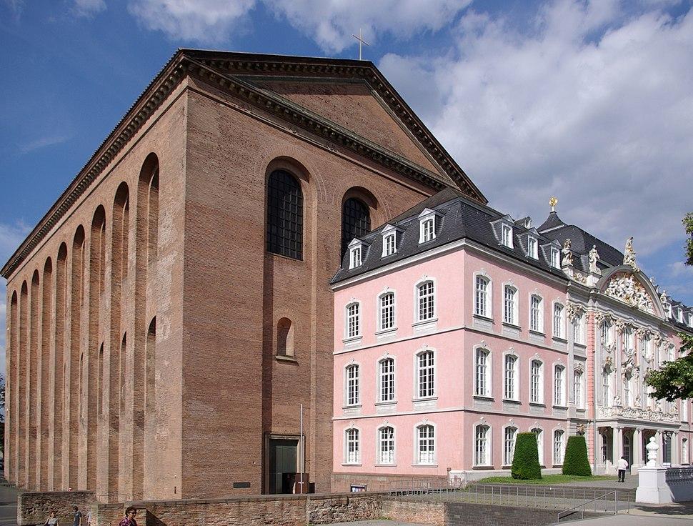 Trier Kurfuerstliches Palais BW 4