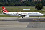 Turkish Airlines, TC-JTD, Airbus A321-231 (28178479080).jpg