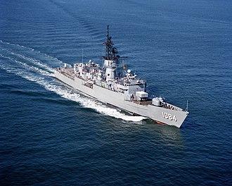 Knox-class frigate - Aerial view of Knox-class frigate USS McCandless (FF-1084)