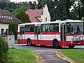 Uhříněves, autobus z Přátelství do Dopravní.jpg