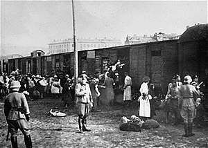 Treblinka extermination camp - Jews being loaded onto trains to Treblinka at the Warsaw Ghetto's Umschlagplatz, 1942