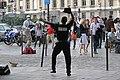 Un danseur à claquettes, boulevard St Michel, 31 mai 2009.jpg