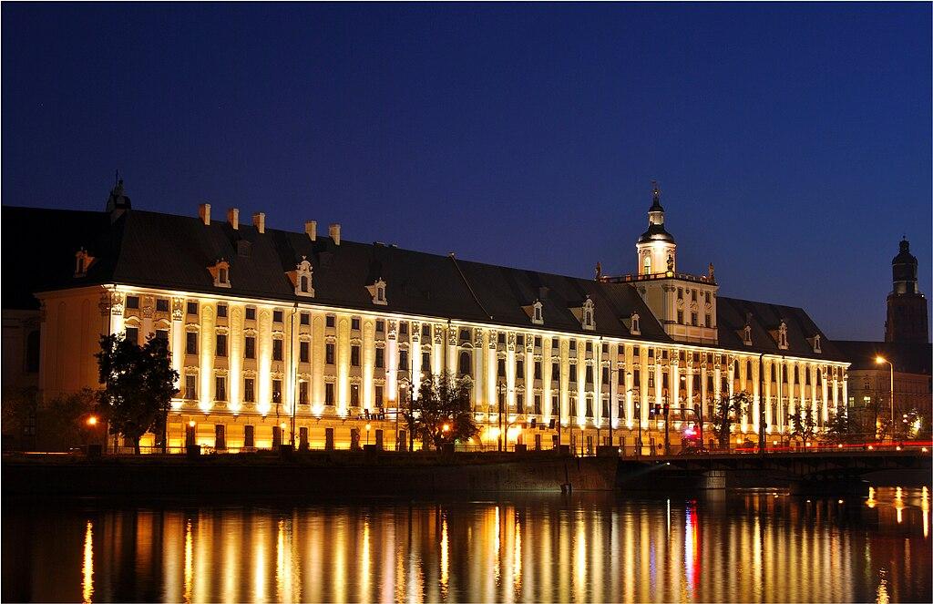 Budynek główny uniwersytetu