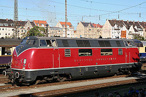 "British Rail Class 42 - Deutsche Bundesbahn V200 class of 1953, on which the ""Warship"" was based"