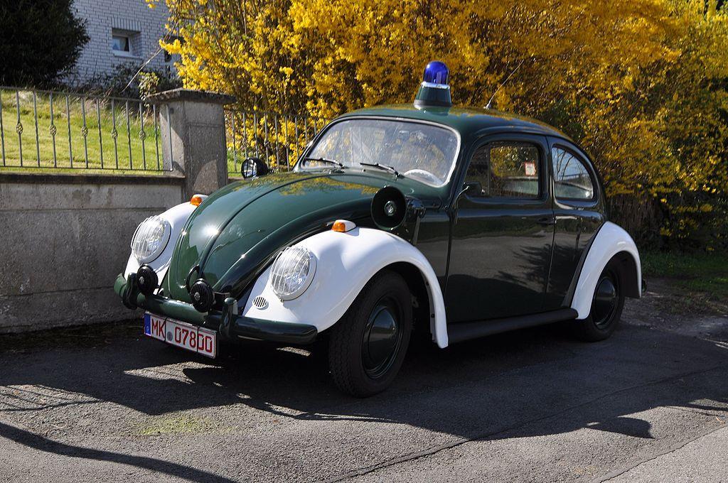 1024px-VW_K%C3%A4fer_Verkehrspolizei_Original.JPG