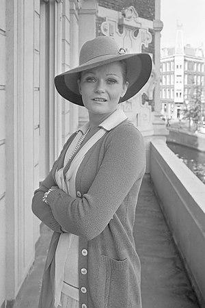 Valerie Perrine - Valerie Perrine in Amsterdam in 1975