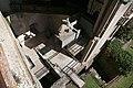 Verona, castelvecchio, museo, installazione esterna della statua di cangrande della scala, 04.jpg