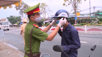 Vietnam policeman wearing mask for people.png