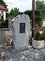 Vilémovice, památník.jpg