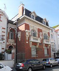 Villa Yvonnette rue de Longchamp à Vichy.jpg