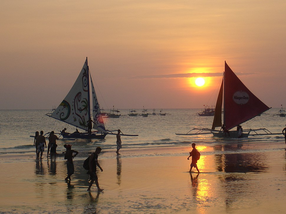 Visayan paraw with crab claw sails in the Philippines