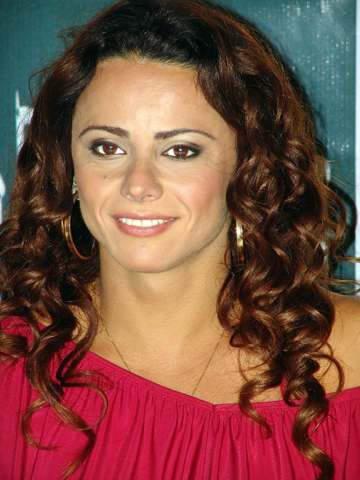 Viviane Araújo - Wikipedia