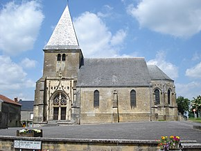 Voncq (Ardennes, Fr.) church sideview.JPG