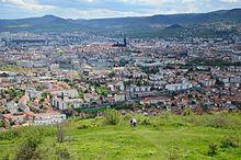 Vue de Clermont-Ferrand depuis le plateau de Chanturgue.