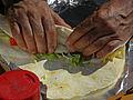 Wasserweltfest 2012 - Einrollen eines Adana-Kebaps.jpg